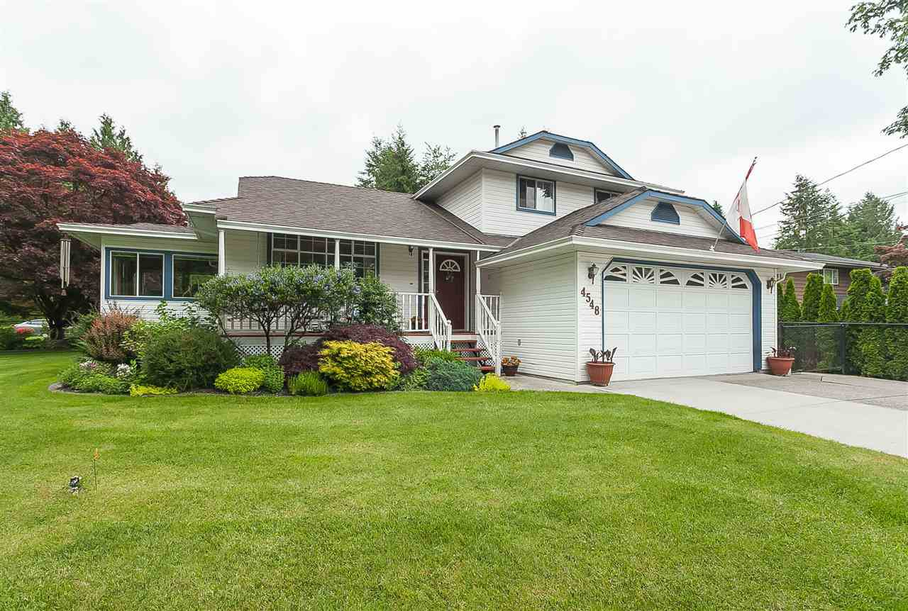"Main Photo: 4548 SOUTHRIDGE Crescent in Langley: Murrayville House for sale in ""Murrayville"" : MLS®# R2375830"