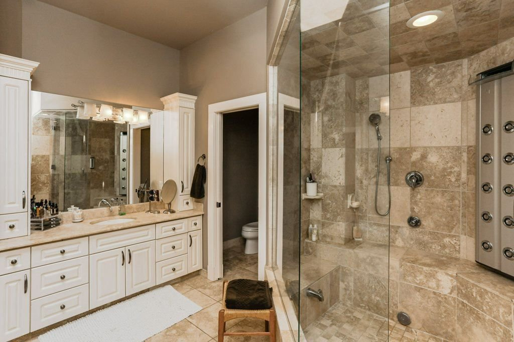 Photo 19: Photos: 1594 HECTOR Road in Edmonton: Zone 14 House for sale : MLS®# E4160153