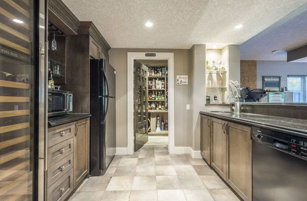 Photo 26: Photos: 1594 HECTOR Road in Edmonton: Zone 14 House for sale : MLS®# E4160153
