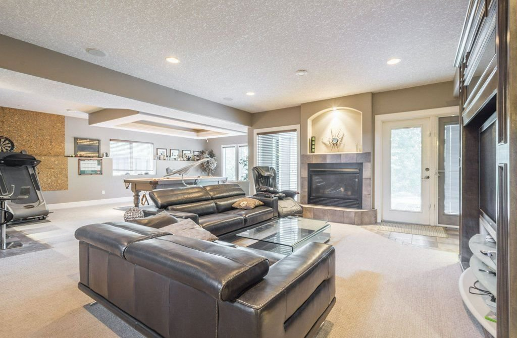 Photo 23: Photos: 1594 HECTOR Road in Edmonton: Zone 14 House for sale : MLS®# E4160153