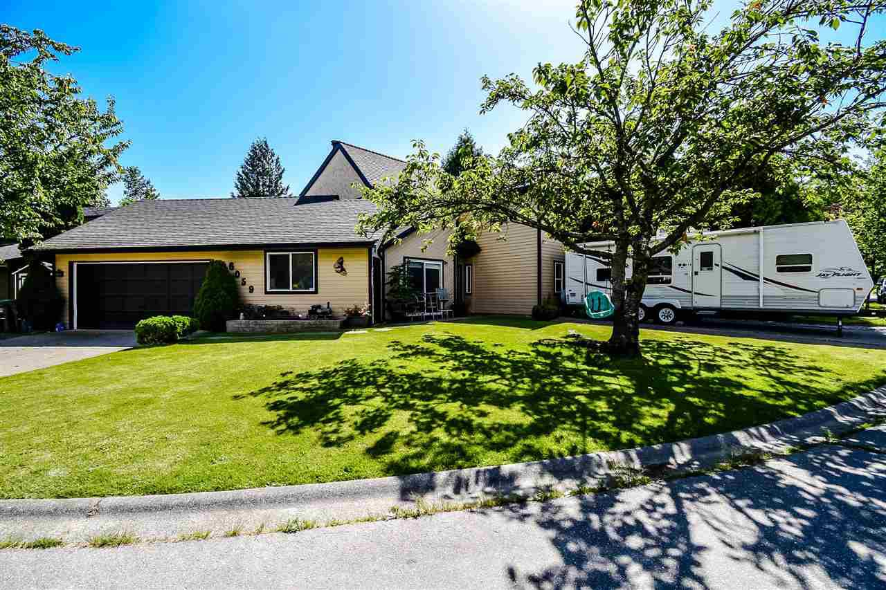 Main Photo: 6059 BROOKS Crescent in Surrey: Cloverdale BC House for sale (Cloverdale)  : MLS®# R2377690