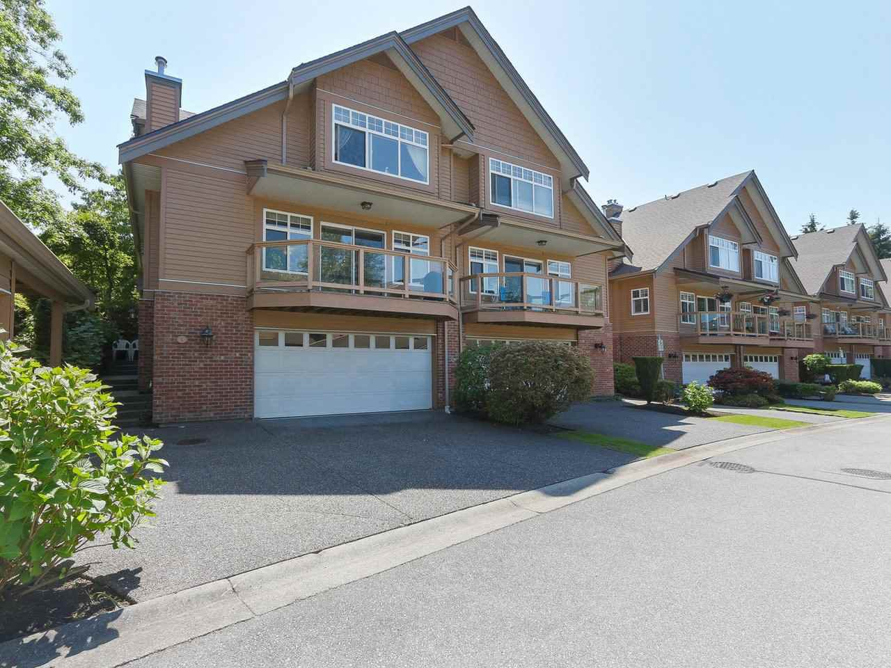 "Main Photo: 1 5201 OAKMOUNT Crescent in Burnaby: Oaklands Townhouse for sale in ""Hartlands at Deer Lake"" (Burnaby South)  : MLS®# R2378395"