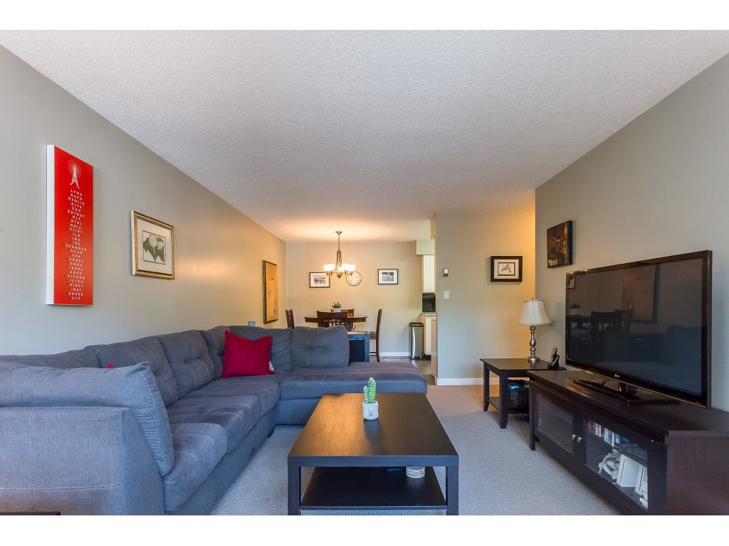 "Photo 11: Photos: 201 33450 GEORGE FERGUSON Way in Abbotsford: Central Abbotsford Condo for sale in ""Valley Ridge"" : MLS®# R2382823"