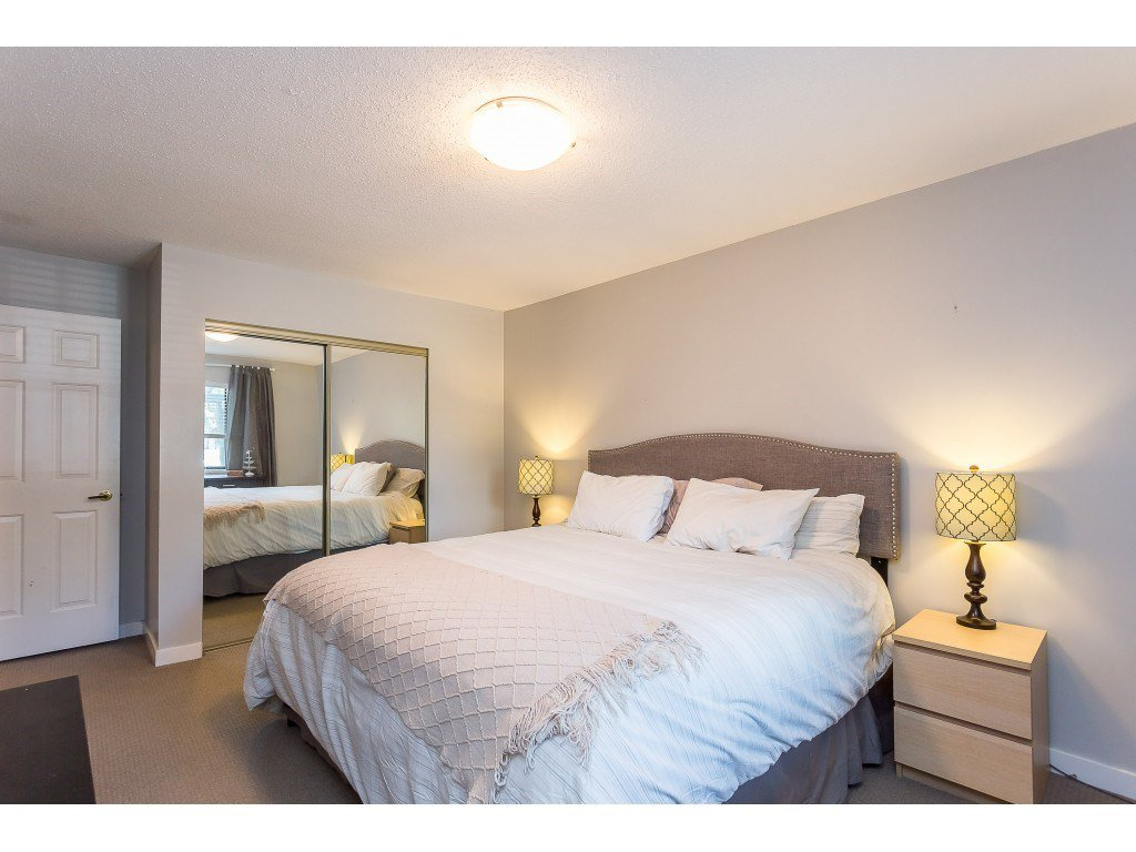 "Photo 14: Photos: 201 33450 GEORGE FERGUSON Way in Abbotsford: Central Abbotsford Condo for sale in ""Valley Ridge"" : MLS®# R2382823"