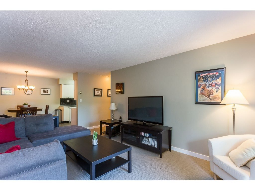 "Photo 12: Photos: 201 33450 GEORGE FERGUSON Way in Abbotsford: Central Abbotsford Condo for sale in ""Valley Ridge"" : MLS®# R2382823"