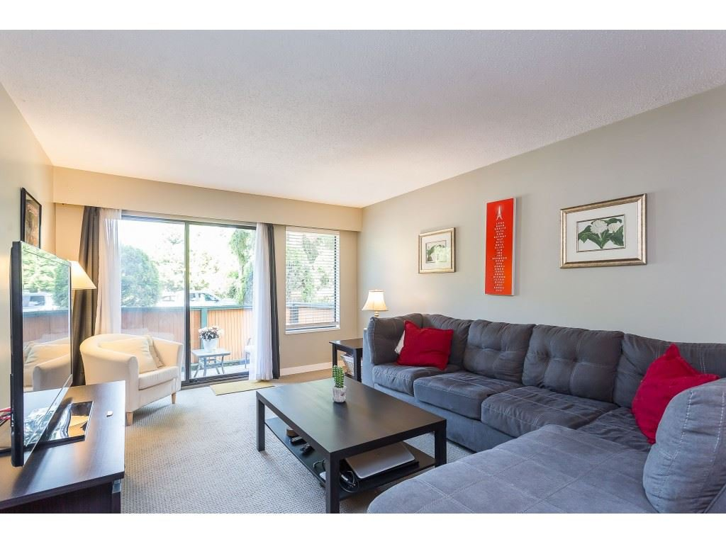 "Photo 10: Photos: 201 33450 GEORGE FERGUSON Way in Abbotsford: Central Abbotsford Condo for sale in ""Valley Ridge"" : MLS®# R2382823"