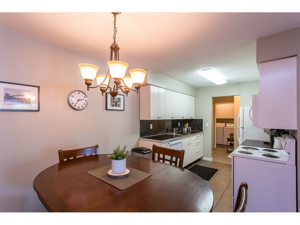 "Photo 7: Photos: 201 33450 GEORGE FERGUSON Way in Abbotsford: Central Abbotsford Condo for sale in ""Valley Ridge"" : MLS®# R2382823"