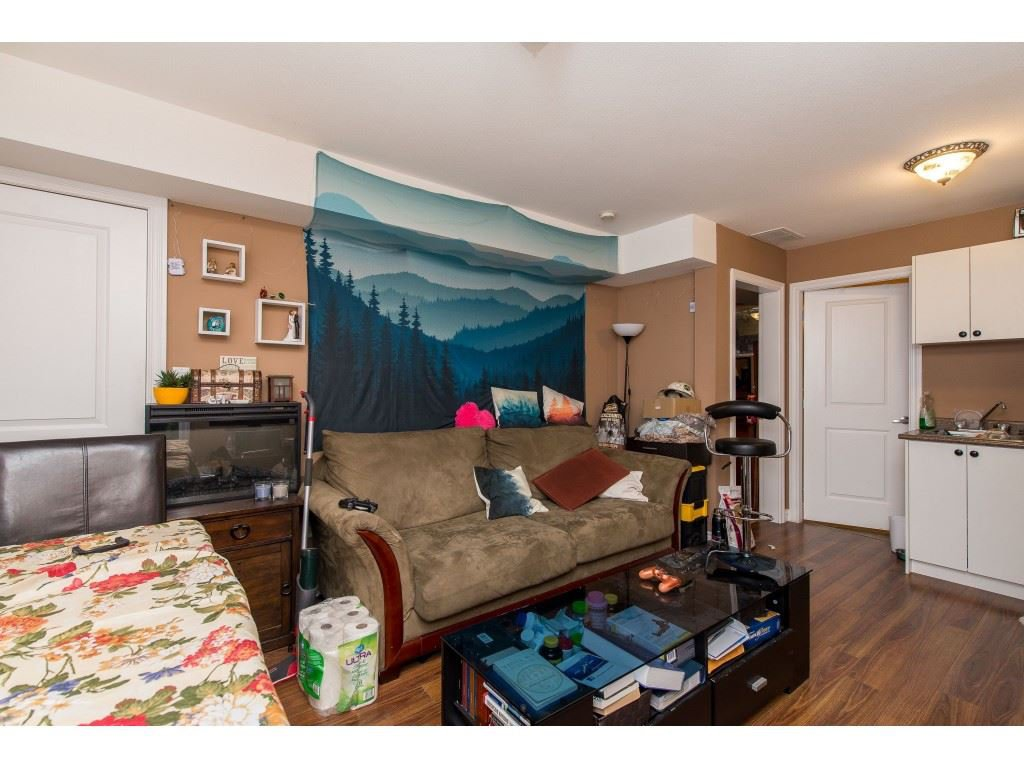 Photo 15: Photos: 8282 CADE BARR Street in Mission: Mission BC House for sale : MLS®# R2394502
