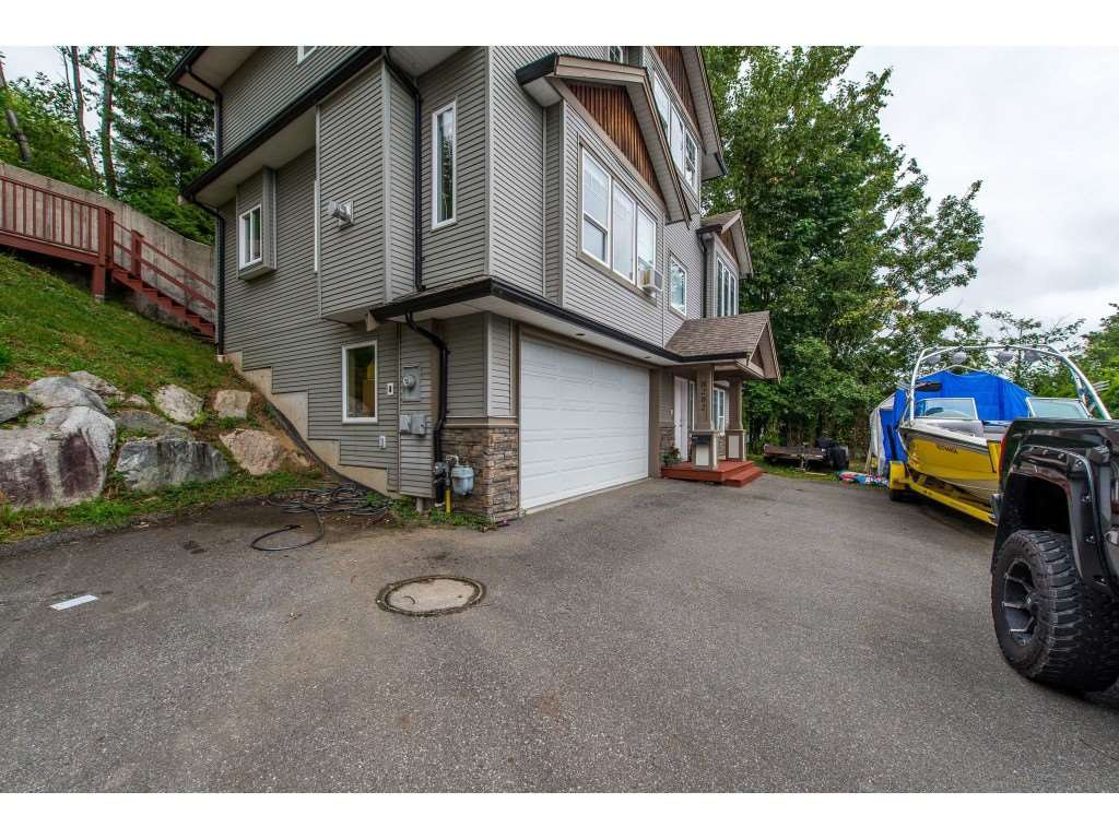 Photo 20: Photos: 8282 CADE BARR Street in Mission: Mission BC House for sale : MLS®# R2394502
