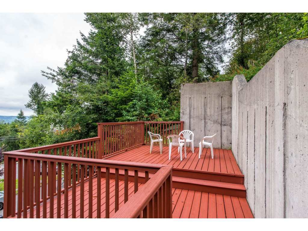 Photo 18: Photos: 8282 CADE BARR Street in Mission: Mission BC House for sale : MLS®# R2394502