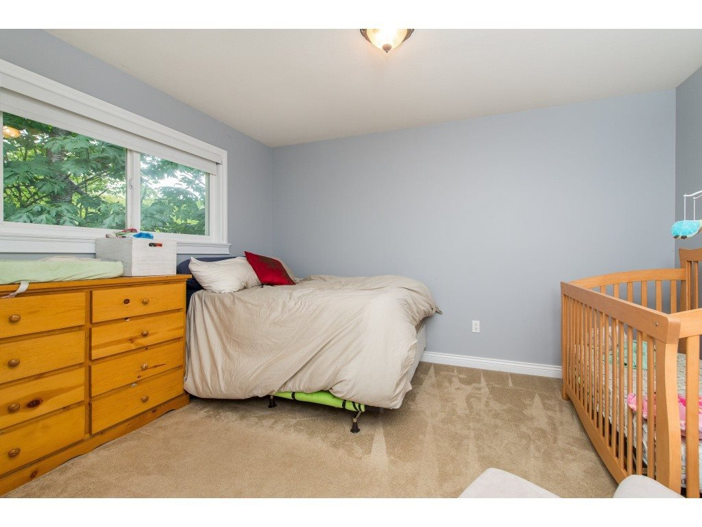Photo 14: Photos: 8282 CADE BARR Street in Mission: Mission BC House for sale : MLS®# R2394502