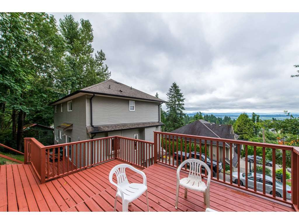 Photo 19: Photos: 8282 CADE BARR Street in Mission: Mission BC House for sale : MLS®# R2394502