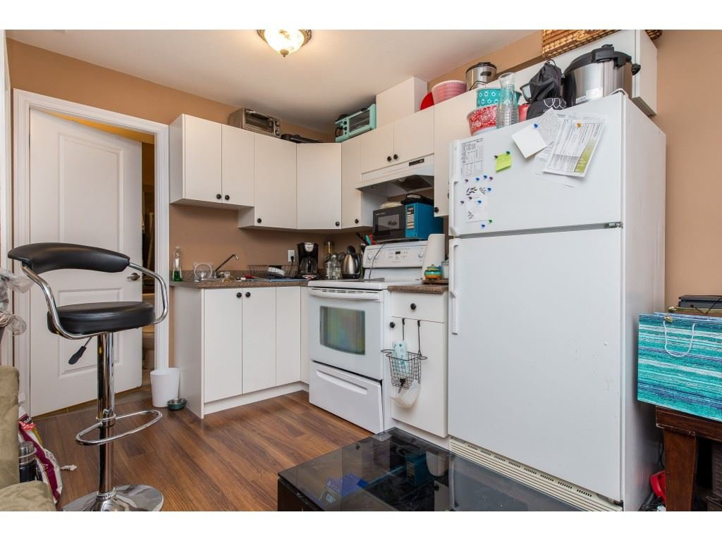 Photo 16: Photos: 8282 CADE BARR Street in Mission: Mission BC House for sale : MLS®# R2394502