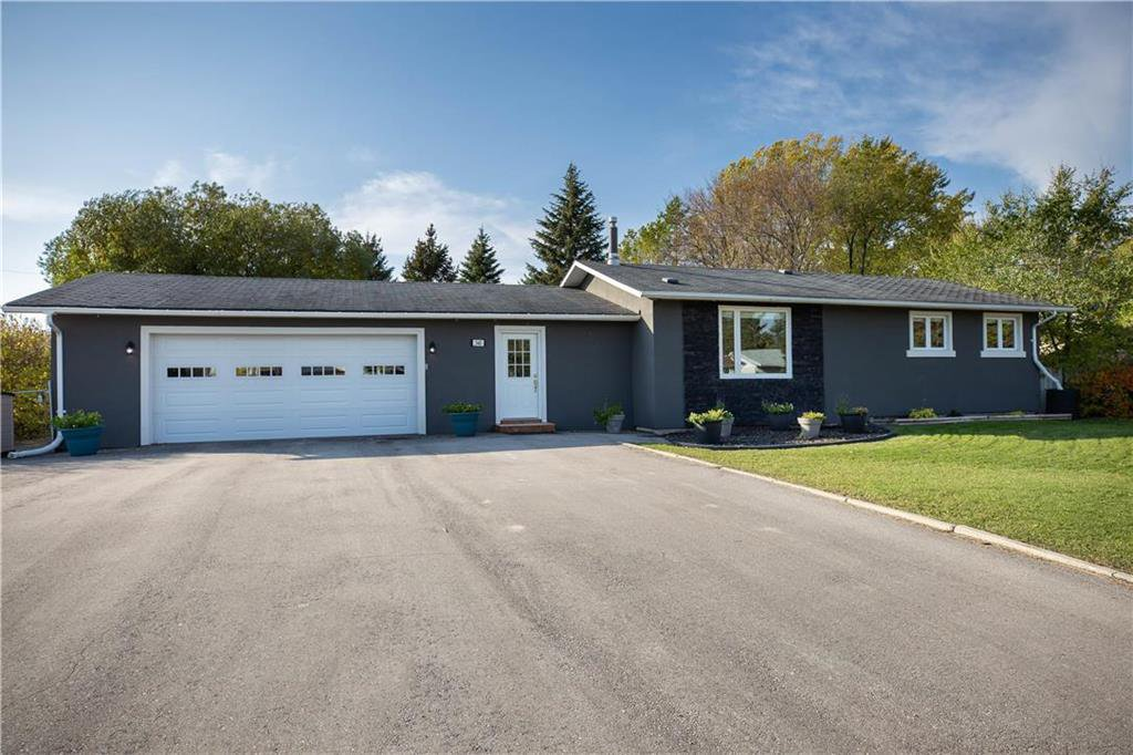 Main Photo: 340 SAUVEUR Place in Lorette: R05 Residential for sale : MLS®# 1928364