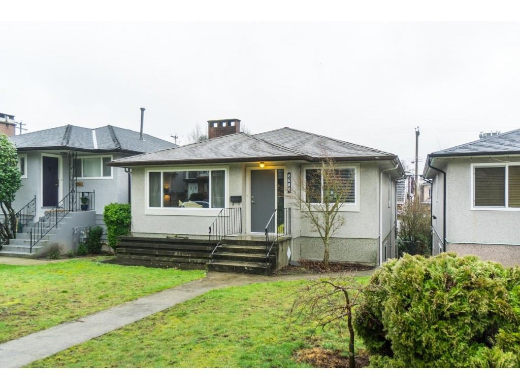 Main Photo: 2656 E 7TH Avenue in Vancouver: Renfrew VE House for sale (Vancouver East)  : MLS®# R2435751