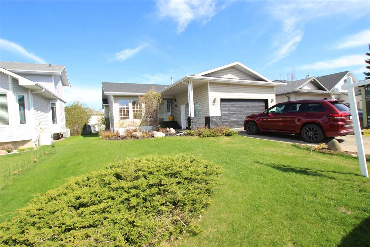 Main Photo: 103 WOODSIDE Crescent: Spruce Grove House for sale : MLS®# E4194539