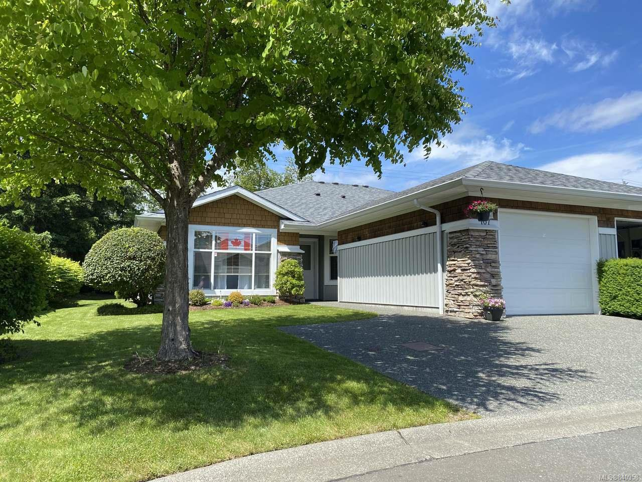 Main Photo: 107 1919 St Andrews Pl in COURTENAY: CV Courtenay East Row/Townhouse for sale (Comox Valley)  : MLS®# 840958