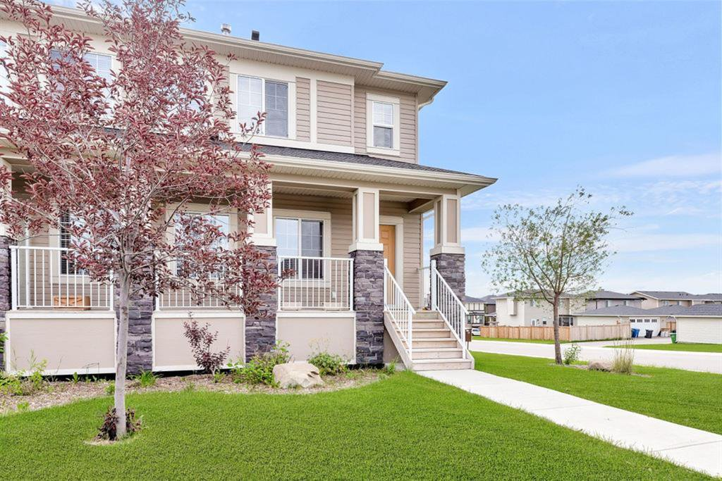 Main Photo: 280 Rainbow Falls Green: Chestermere Semi Detached for sale : MLS®# A1016223