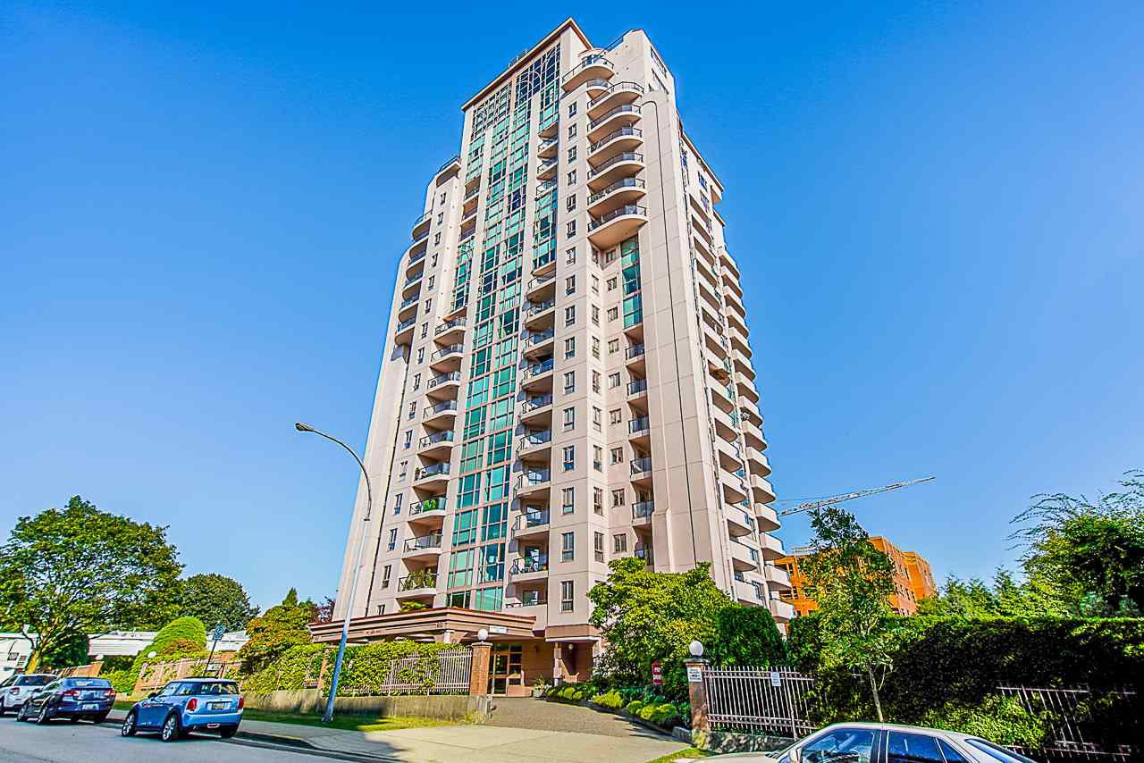 "Main Photo: 1405 612 FIFTH Avenue in New Westminster: Uptown NW Condo for sale in ""The Fifth Avenue"" : MLS®# R2527729"