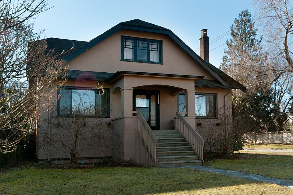 Main Photo: 4596 W 12TH Avenue in Vancouver: Point Grey House for sale (Vancouver West)  : MLS®# V872174