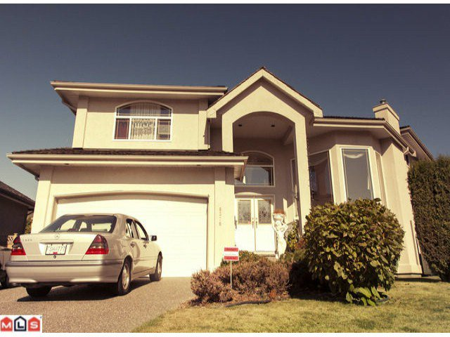 Main Photo: 8376 153A ST in Surrey: Fleetwood Tynehead House for sale : MLS®# F1225393