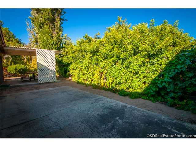 Photo 9: Photos: POWAY House for sale : 3 bedrooms : 13271 Wanesta Drive