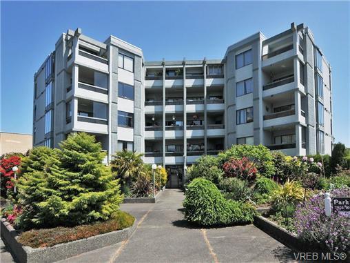 Main Photo: 301 2605 Windsor Rd in VICTORIA: OB South Oak Bay Condo Apartment for sale (Oak Bay)  : MLS®# 673191