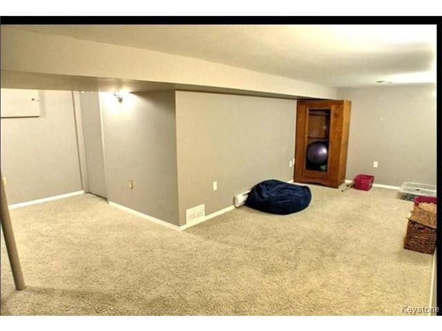 Photo 10: Photos: 687 Lyndale Drive in WINNIPEG: St Boniface Residential for sale (South East Winnipeg)  : MLS®# 1506395