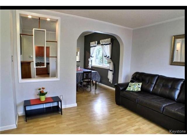 Photo 3: Photos: 687 Lyndale Drive in WINNIPEG: St Boniface Residential for sale (South East Winnipeg)  : MLS®# 1506395
