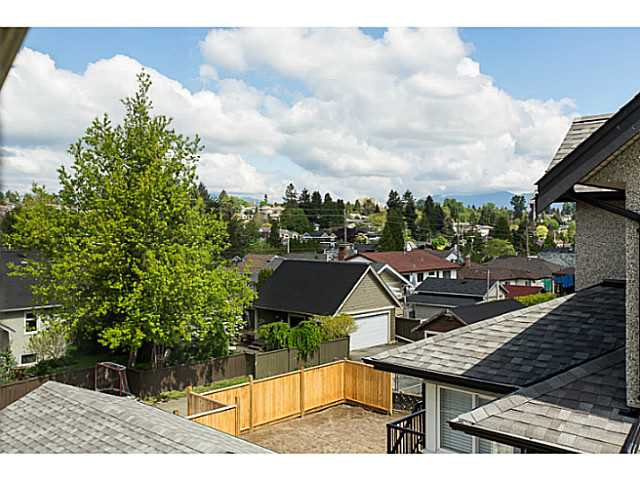 "Photo 15: Photos: 251 OSBORNE Avenue in New Westminster: GlenBrooke North House for sale in ""GLENBROOOKE"" : MLS®# V1135423"
