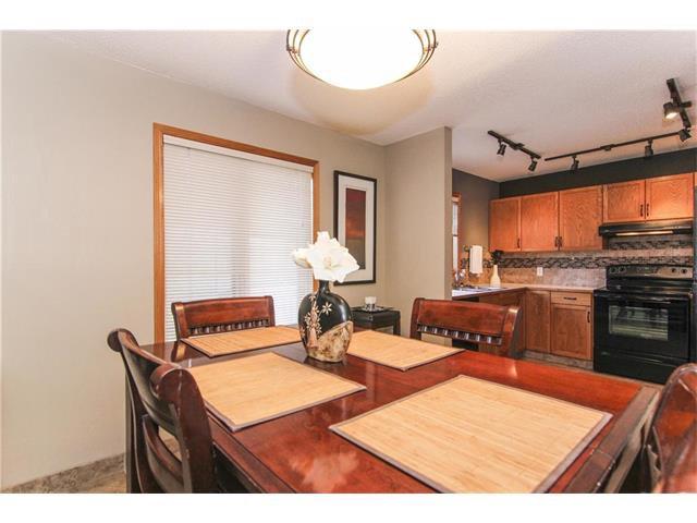 Photo 3: Photos: 124 INGLEWOOD Cove SE in Calgary: Inglewood House for sale : MLS®# C4046068