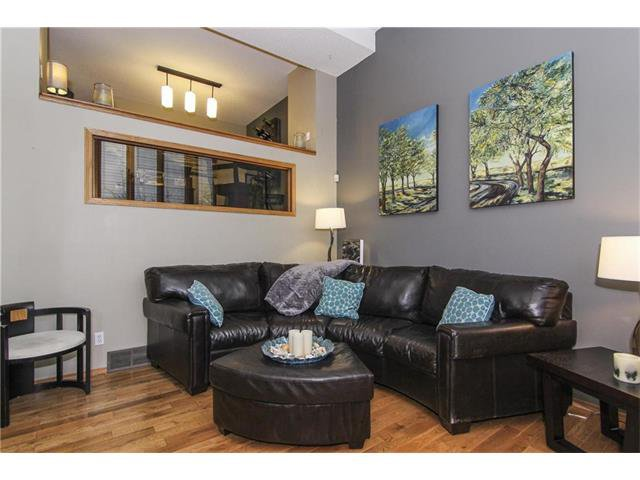Photo 17: Photos: 124 INGLEWOOD Cove SE in Calgary: Inglewood House for sale : MLS®# C4046068