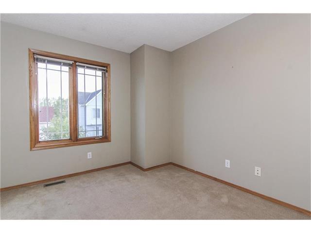 Photo 25: Photos: 124 INGLEWOOD Cove SE in Calgary: Inglewood House for sale : MLS®# C4046068