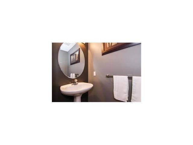Photo 31: Photos: 124 INGLEWOOD Cove SE in Calgary: Inglewood House for sale : MLS®# C4046068