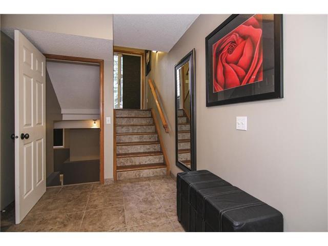 Photo 11: Photos: 124 INGLEWOOD Cove SE in Calgary: Inglewood House for sale : MLS®# C4046068