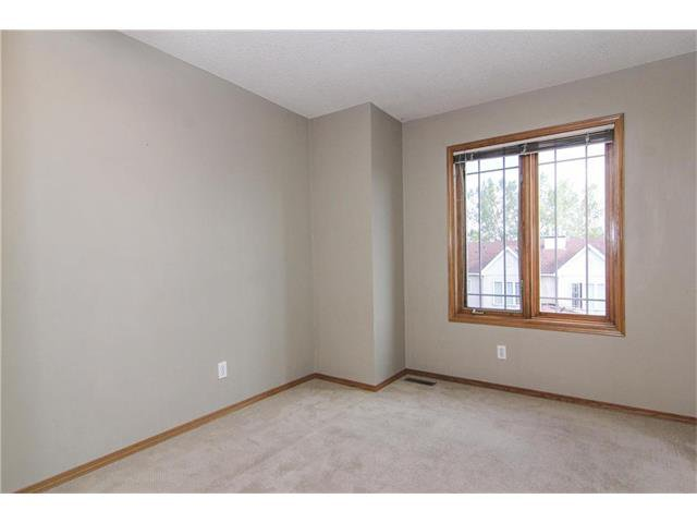 Photo 24: Photos: 124 INGLEWOOD Cove SE in Calgary: Inglewood House for sale : MLS®# C4046068
