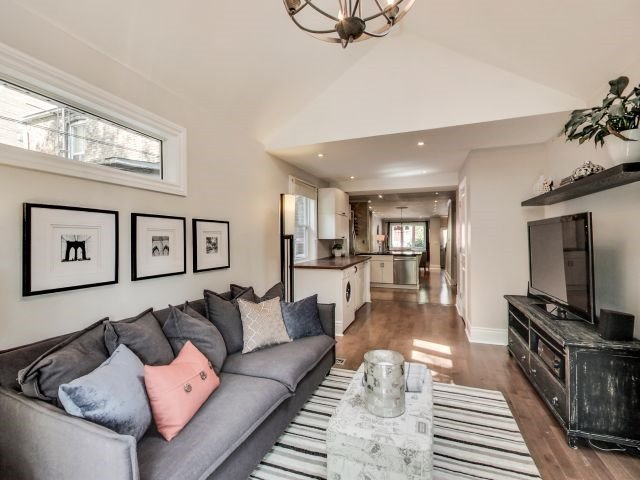 Photo 3: Photos: 48 Marigold Avenue in Toronto: South Riverdale House (2-Storey) for sale (Toronto E01)  : MLS®# E3517470