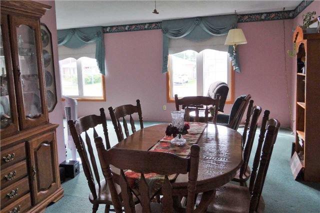 Photo 12: Photos: 107 Diane Drive: Orangeville House (Bungalow-Raised) for sale : MLS®# W3611218