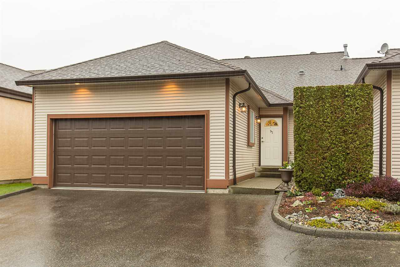 "Main Photo: 37 23151 HANEY Bypass in Maple Ridge: East Central Townhouse for sale in ""STONEHOUSE ESTATES"" : MLS®# R2150992"