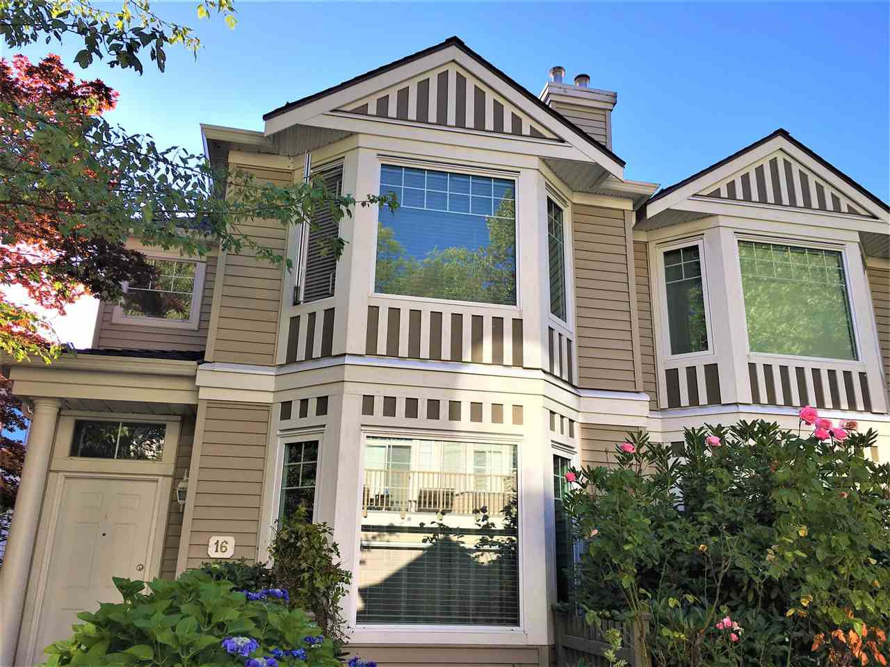 """Main Photo: 16 7500 CUMBERLAND Street in Burnaby: The Crest Townhouse for sale in """"WILDFLOWER BY POLYGON"""" (Burnaby East)  : MLS®# R2191489"""
