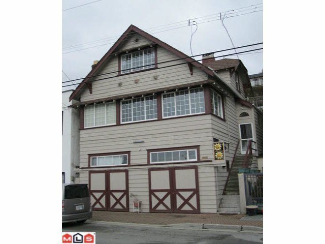 Main Photo: 15435 MARINE DRIVE in : White Rock House for sale : MLS®# F1311590
