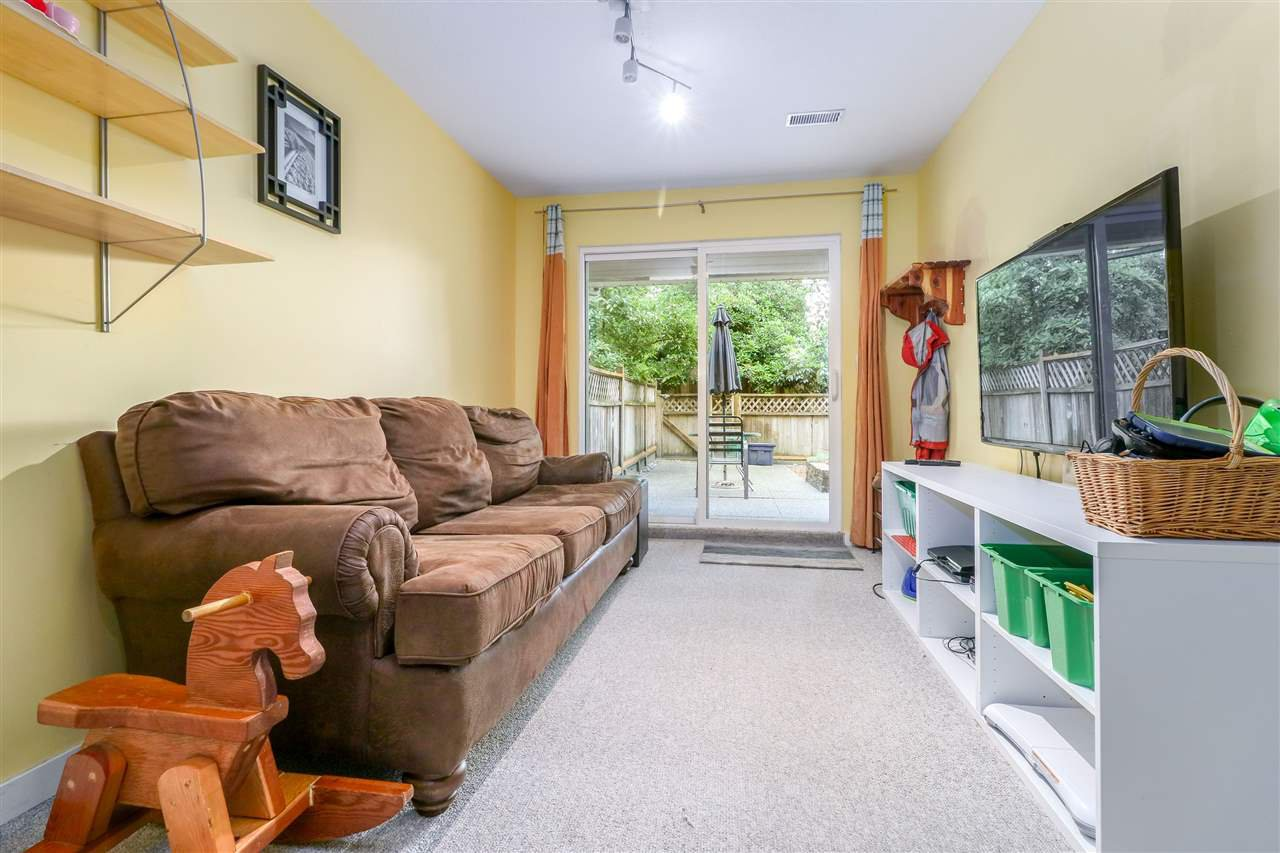 Photo 12: Photos: 104 1210 FALCON Drive in Coquitlam: Upper Eagle Ridge Townhouse for sale : MLS®# R2278666
