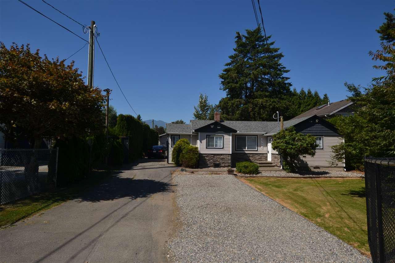 Main Photo: 42449 SOUTH SUMAS Road in Sardis - Greendale: Greendale Chilliwack House for sale (Sardis)  : MLS®# R2289854