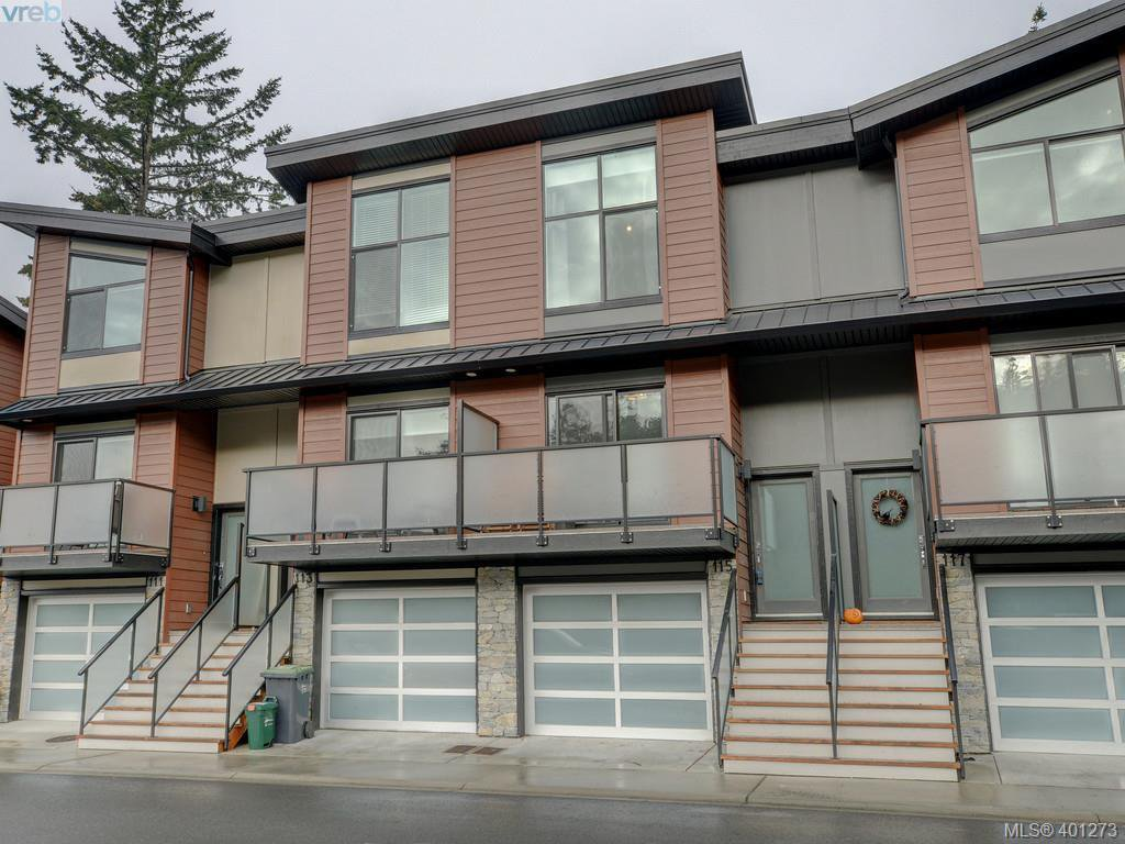 Main Photo: 115 300 Phelps Avenue in VICTORIA: La Thetis Heights Townhouse for sale (Langford)  : MLS®# 401273