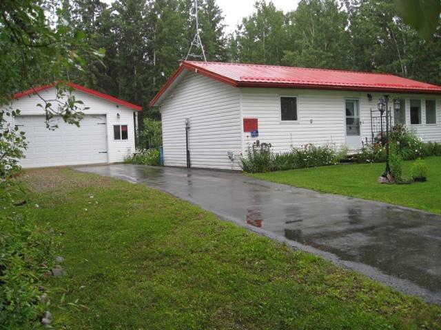 Main Photo: 4415 Leisure Lane: Rural Lac Ste. Anne County House for sale : MLS®# E4154954