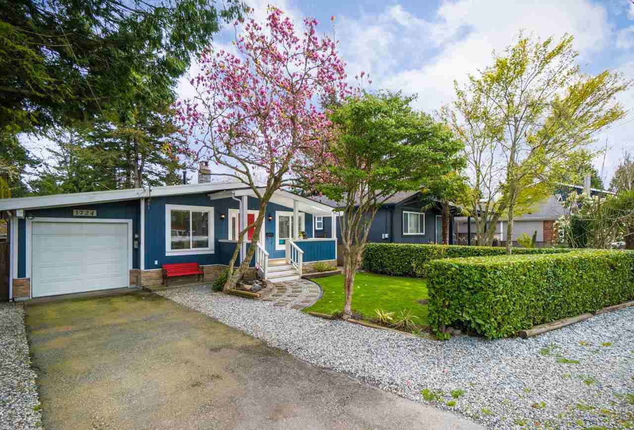 Main Photo: 1724 FARRELL Crescent in Delta: Beach Grove House for sale (Tsawwassen)  : MLS®# R2406411