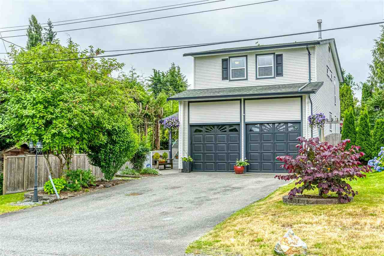 Main Photo: 26782 30 Avenue in Langley: Aldergrove Langley House for sale : MLS®# R2410257