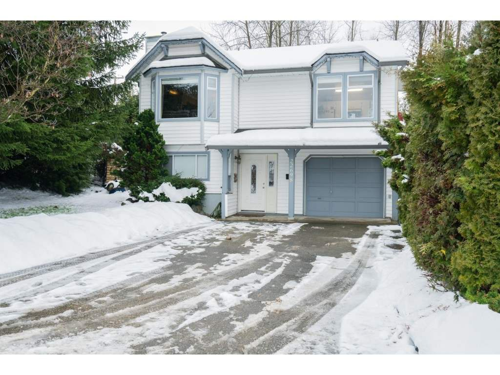 "Main Photo: 22698 KENDRICK Loop in Maple Ridge: East Central House for sale in ""Kendrick Loop"" : MLS®# R2429797"
