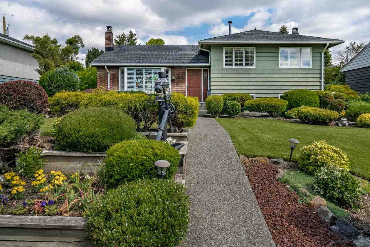 Main Photo: 3749 CARSON Street in Burnaby: Suncrest House for sale (Burnaby South)  : MLS®# R2460920