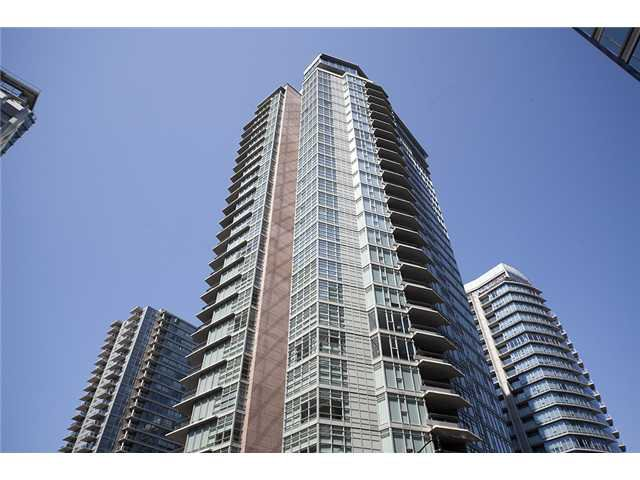 "Main Photo: 2404 1205 W HASTINGS Street in Vancouver: Coal Harbour Condo for sale in ""THE CIELO"" (Vancouver West)  : MLS®# V883729"